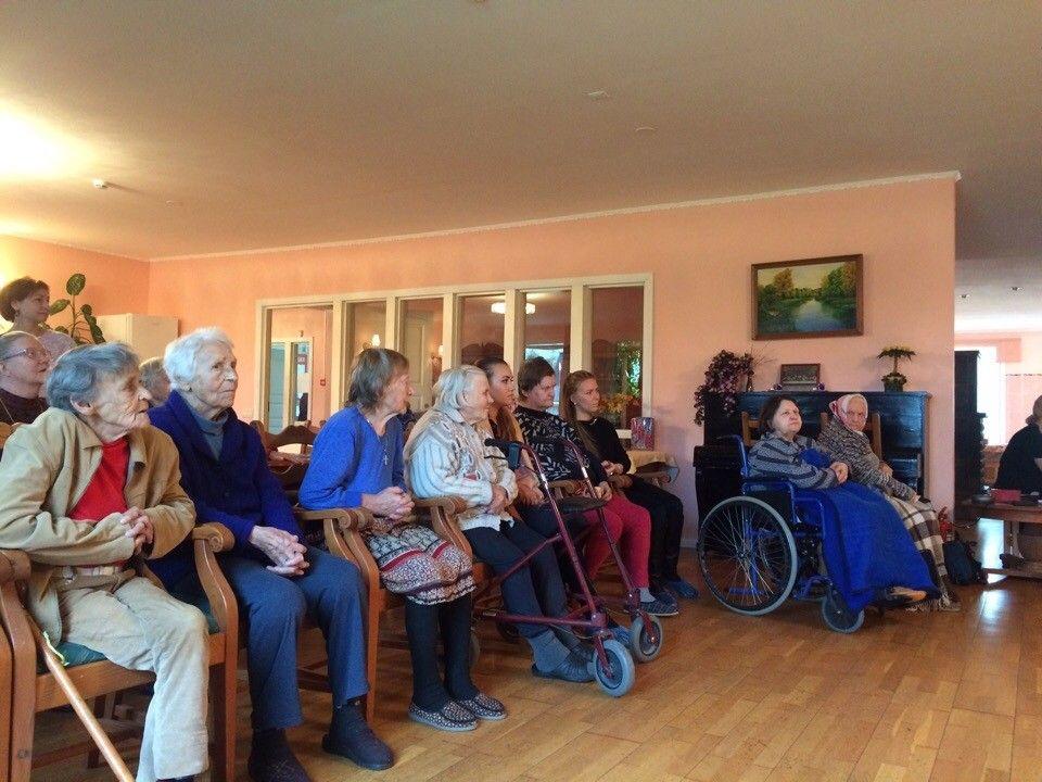 Дом престарелых в тихвине дом интернат для престарелых и инвалидов кызыл