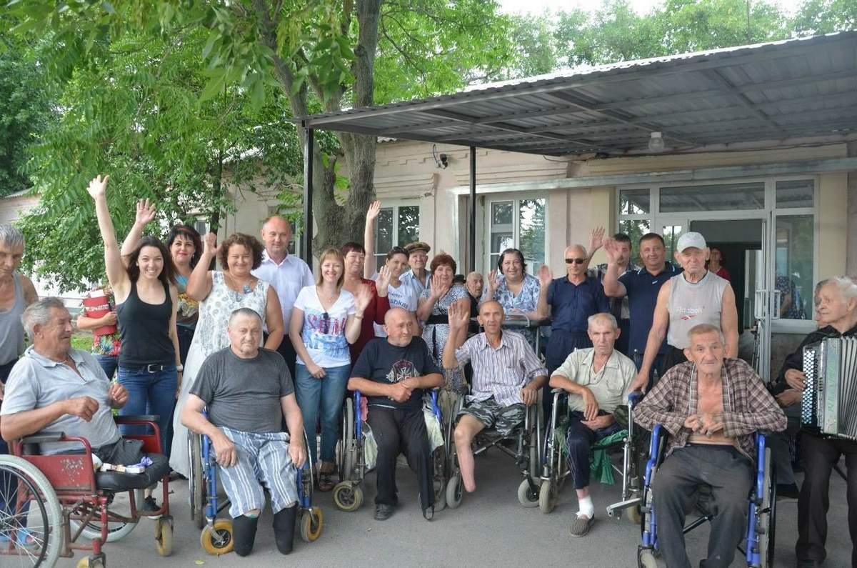 Дом престарелых в ростове на дону вакансии центр пребывания пожилых людей как дома