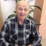 Дмитриев Владимир Алексеевич, 1951 года рождения, работал преподавателем математики в престижном учебном заведении, потом - заместителем начальника Алексинского химкомбината. После внезапной смерти жены у него случился инфаркт головного мозга с параличом нижних конечностей.